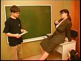 Lehrerin verführt Schüler