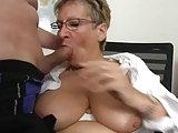 Sekretärin Angie hat geilen Bürosex