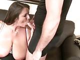Feuchter Sex mit einer reifen Busenmaus