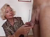 Italienische Dame nimmt nur große Schwänze