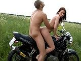 Heißer Ritt auf dem Motorrad