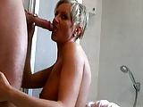Ramona Deluxe hat Sex nach dem Duschen