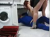 Sie filmt heimlich wie sie den Handwerker verführt