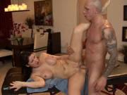 Massage mit Happy End für eine vollbusige Frau
