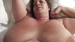 Fette Frau mit Riesentitten wird in POV gefickt