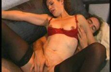 Bei Sextest fickt eine unrasierte Frau